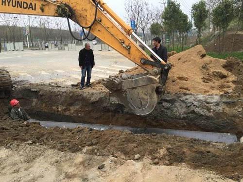 污水管道施工现场